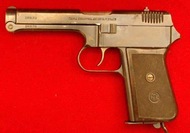 foto Pistole ČZ Vz.38 pro finskou armádu