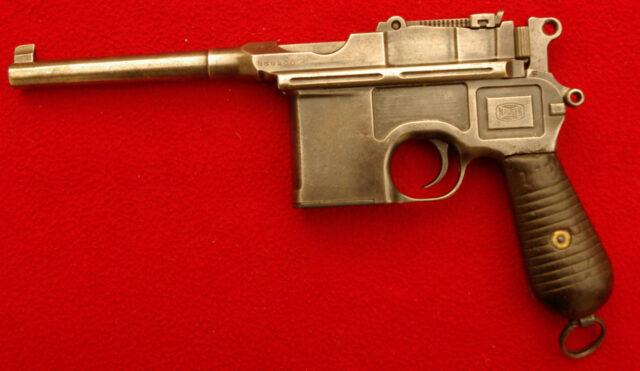 foto Pistole Mauser C96 model 1930 čínský kontrakt