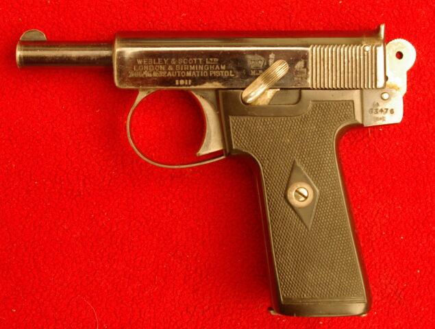 foto Pistole Webley model 1906