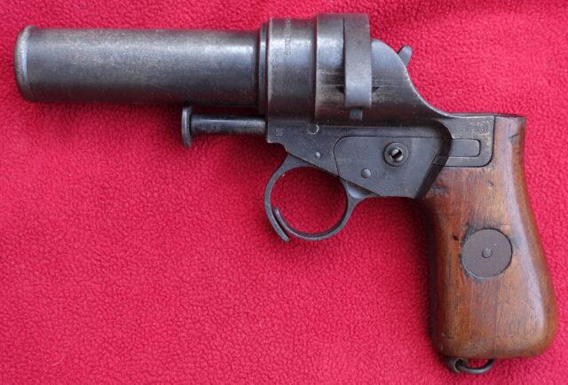 foto Československá signální pistole vz.30