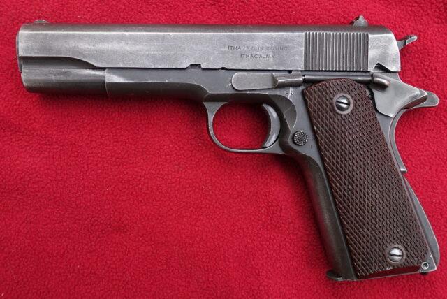 foto Pistole Ithaca 1911A1