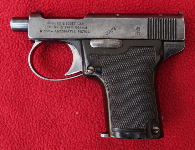 foto Pistole Webley Model 1909