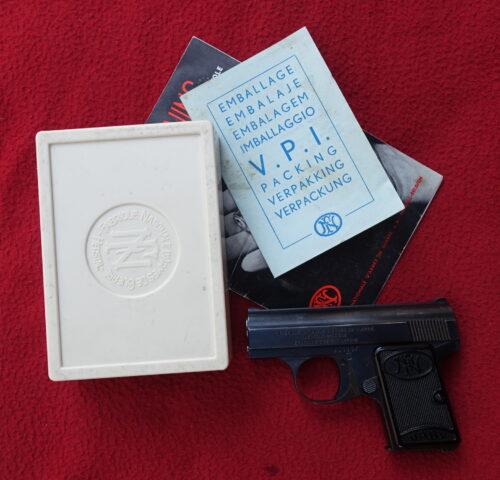 foto Pistole FN Baby