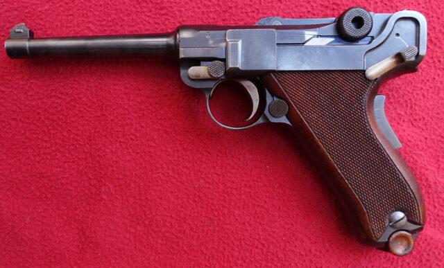 foto Pistole Waffenfabrik Bern P06/24