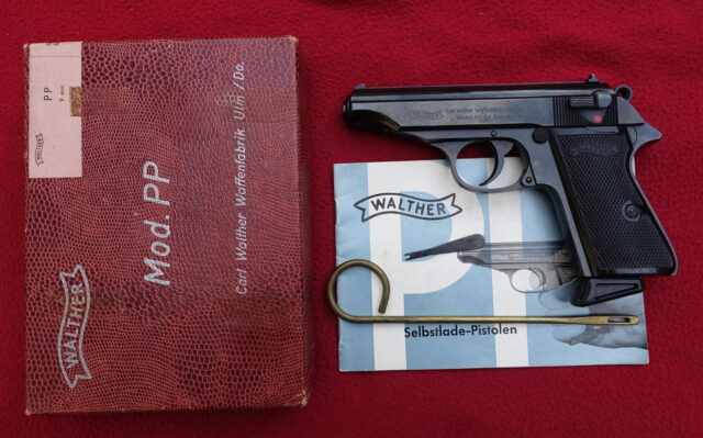 foto Pistole Walther PP ráže 9mm Browning