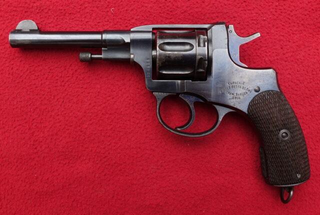 foto Revolver Tula Nagant M.95