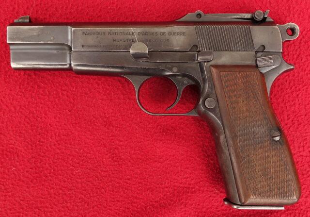 foto Pistole FN HP – finský kontrakt
