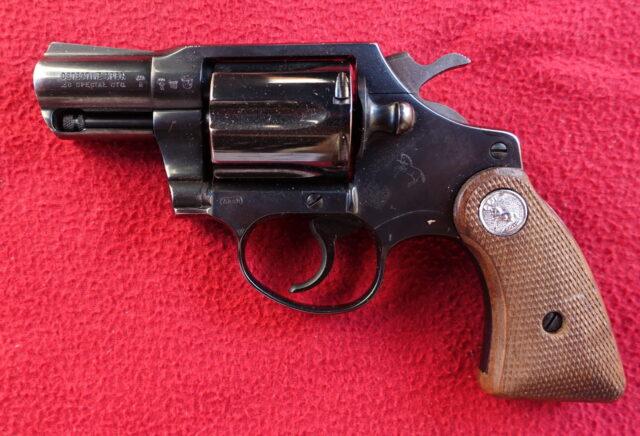 foto Revolver Colt Detective Special