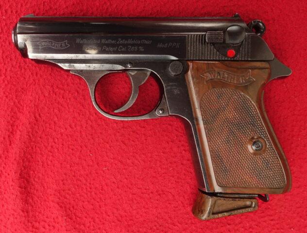 foto Pistole Walther PPK Zella Mehlis – z výzbroje policie