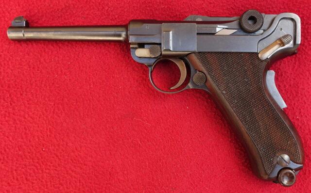 foto Pistole Waffenfabrik Bern Mod.06/24 – REZERVOVÁNO