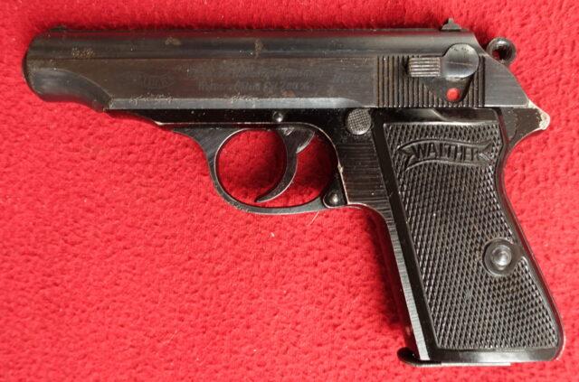 foto Pistole Walther PP Zella Mehlis s rámem z lehké litiny