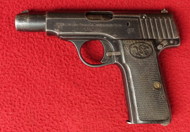 foto Pistole Walther Mod.4 z výzbroje finské armády