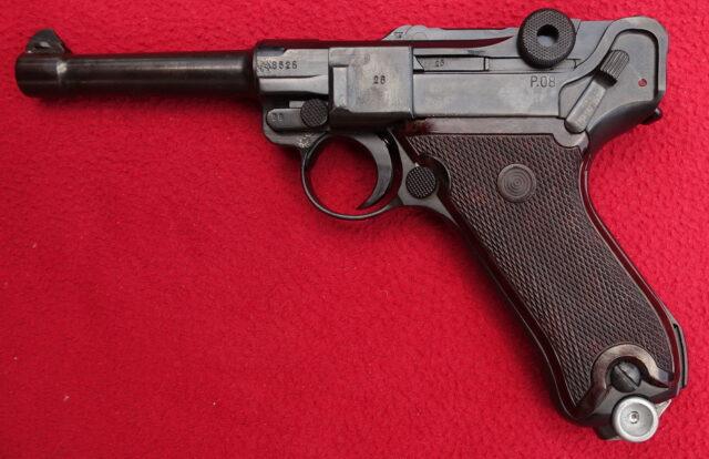 foto Pistole Mauser P.08 – Volkspolizei