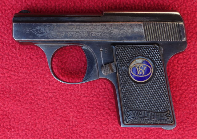 foto Pistole Walther Mod.9 s tovární rytinou
