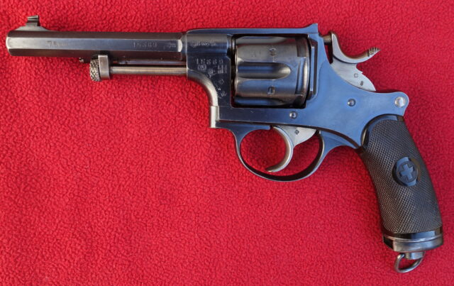 foto Švýcarský armádní revolver M.1882