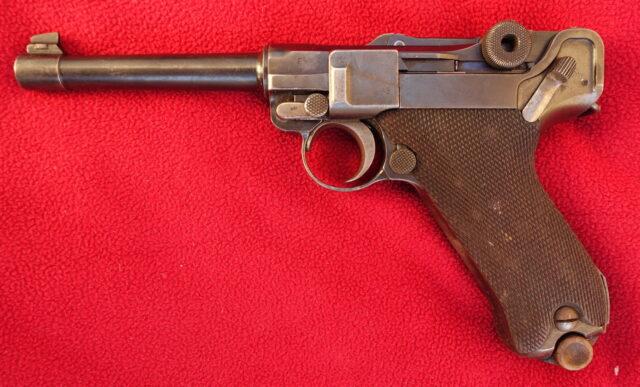 foto Pistole Luger P.08 – REZERVOVÁNO