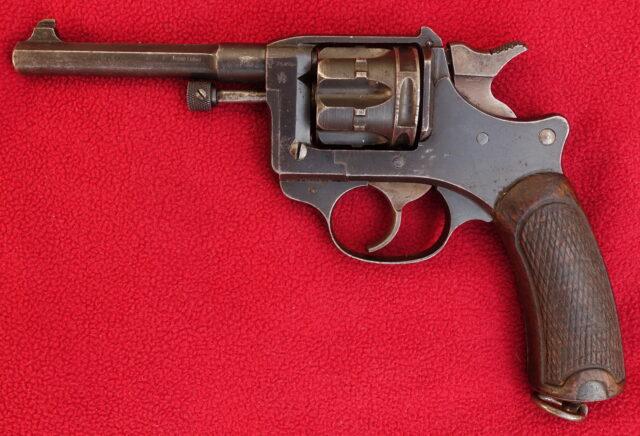 foto Revolver Lebel M.1892