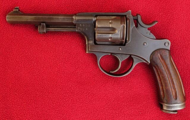 foto Švýcarský armádní revolver M.1882 – REZERVOVÁNO