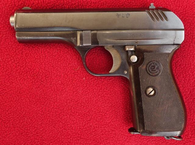 foto Československá pistole Vz.27 předválečné provedení