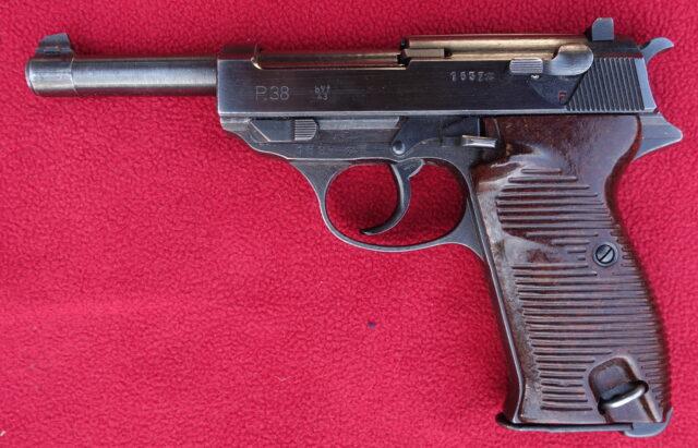 foto Pistole Walther P.38 – REZERVOVÁNO