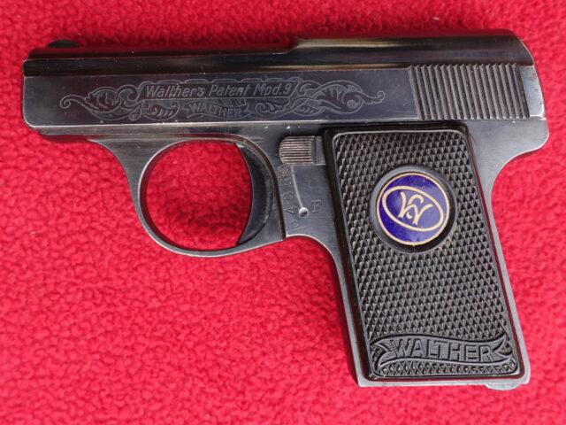 foto Pistole Walther mod.9 s tovární rytinou – REZERVOVÁNO