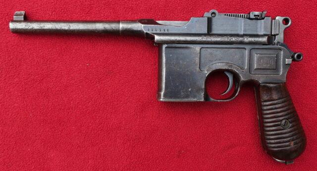 foto Pistole Mauser C96-Model 1930 – REZERVOVÁNO