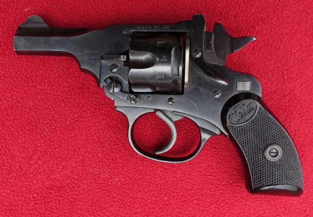 foto Revolver Webley Mark IV Pocket