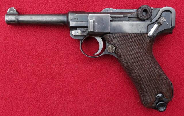 foto Pistole Luger P08 – REZERVOVÁNO