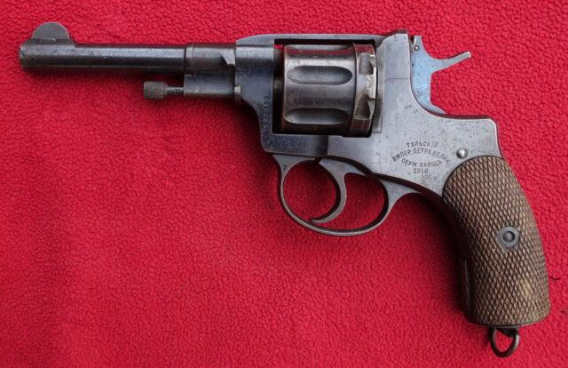 foto Revolver Tula Nagant M.1895 – pro mužstvo