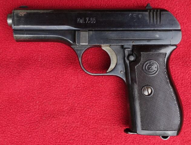 foto Pistole ČZ vz.27 z výzbroje SNB – REZERVOVÁNO